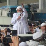Lantunan Shalawat dan Takbir, Iringi Kedatangan Habib Rizieq di Tanah Air