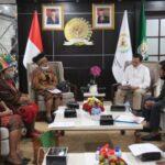 Terima Audiensi Mace-Mace Aktivis Perempuan, Sultan B Najamudin Bahas Masalah Perempuan di Tanah Papua